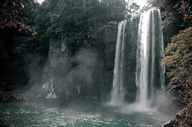 cascadas de agua blanca Misol-Ha, Chiapas, México