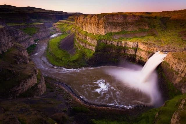 paisajes hermosos con cascadas Palouse Falls, Washington