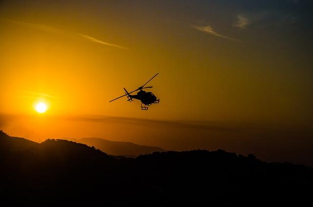 río en helicóptero